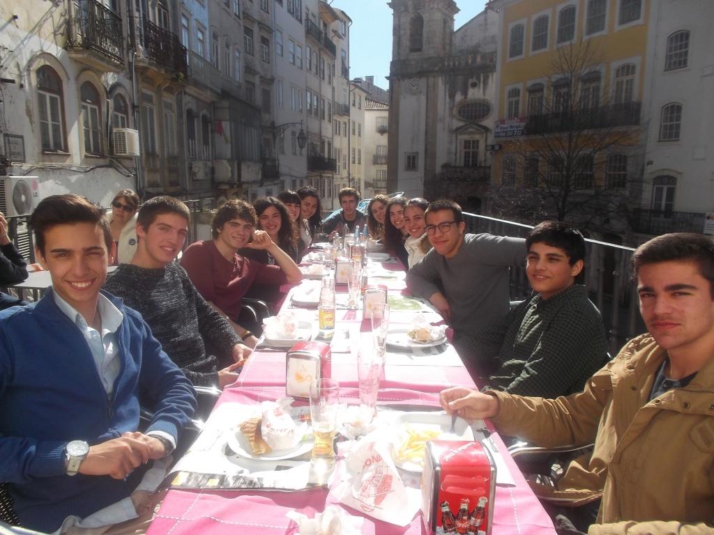 muitas-pessoas-simpaticas-em-Portugal