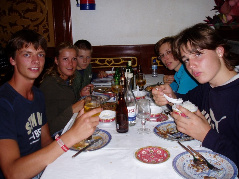 blog_they're-coming-back-voluntarily_dinner