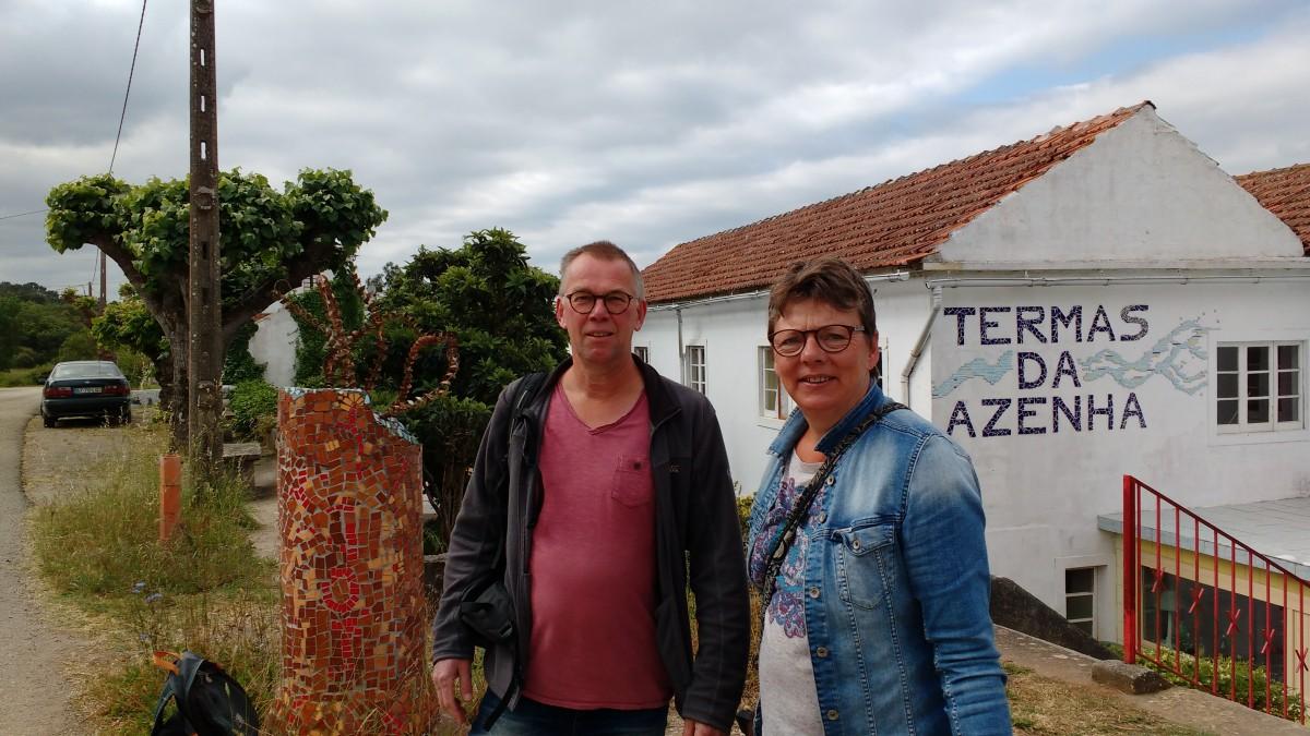 couple-in-front-of-the-Termas-da-Azenha