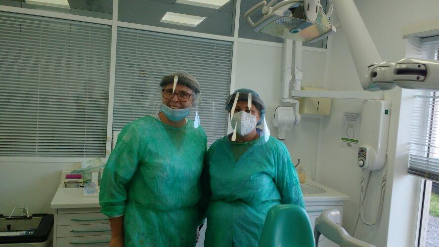 de-tandarts-en-haar-assistente