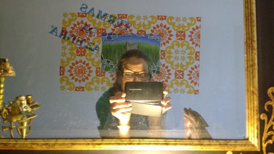um-selfie-com-demasiado-luz-melhor-quando-esta-velha