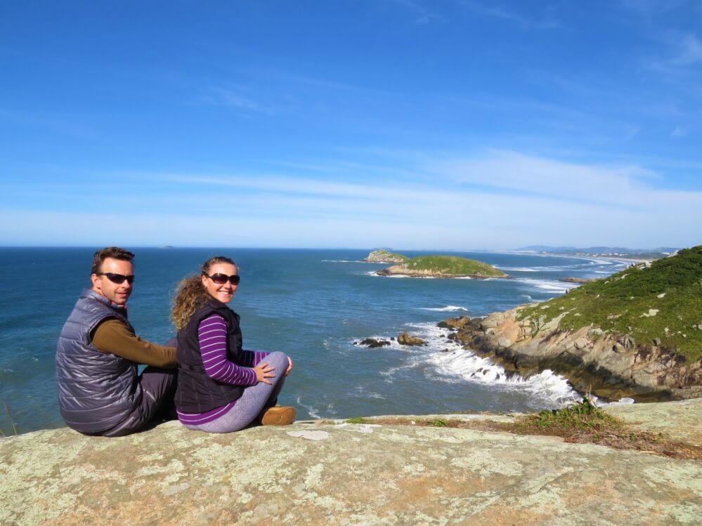 Fabio en Maris aan de kust in Brazilië