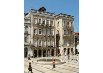 building-on-praça-8-de-Maio-in-Coimbra-1