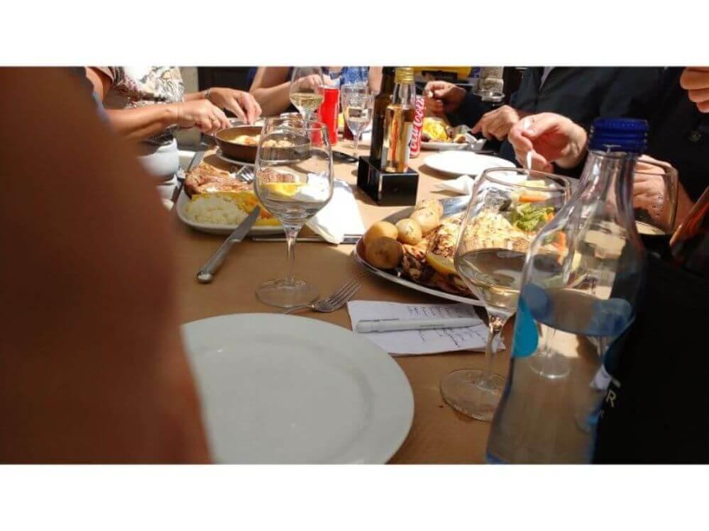 boek-een-diner-met-de-hele-familie