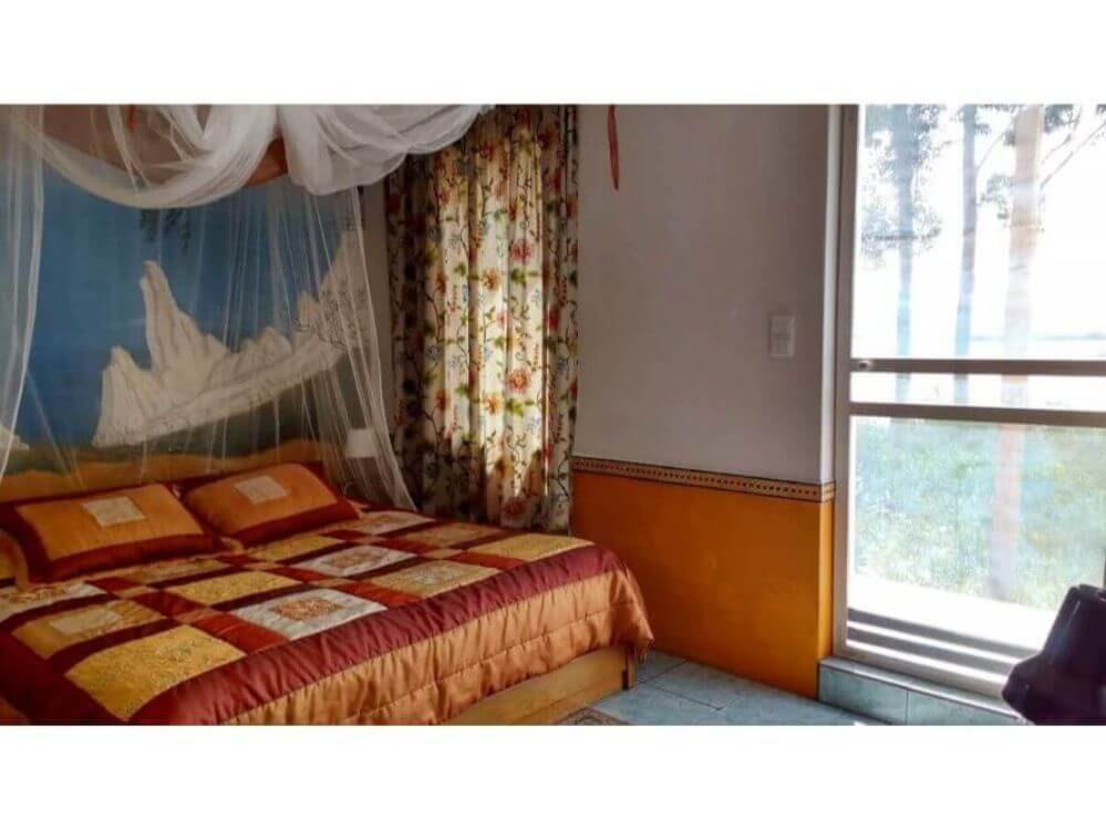 bedroom-hotelroom-2-bed-and-curtain-Apartamento-ONE-1