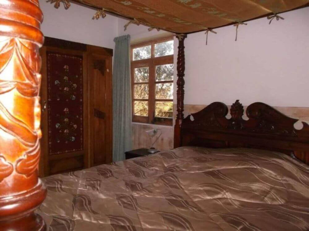 cama-de-casal-na-casa-Oliveira-