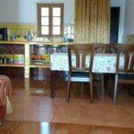 Kitchen-and-dinnertable-Oliveira