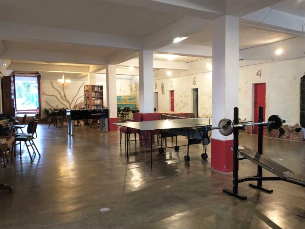 grote-zaal-gym-pingpong