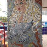 mozaiek-Alice-in-Wonderland-bij-het-zwembad-Termas-da-Azenha