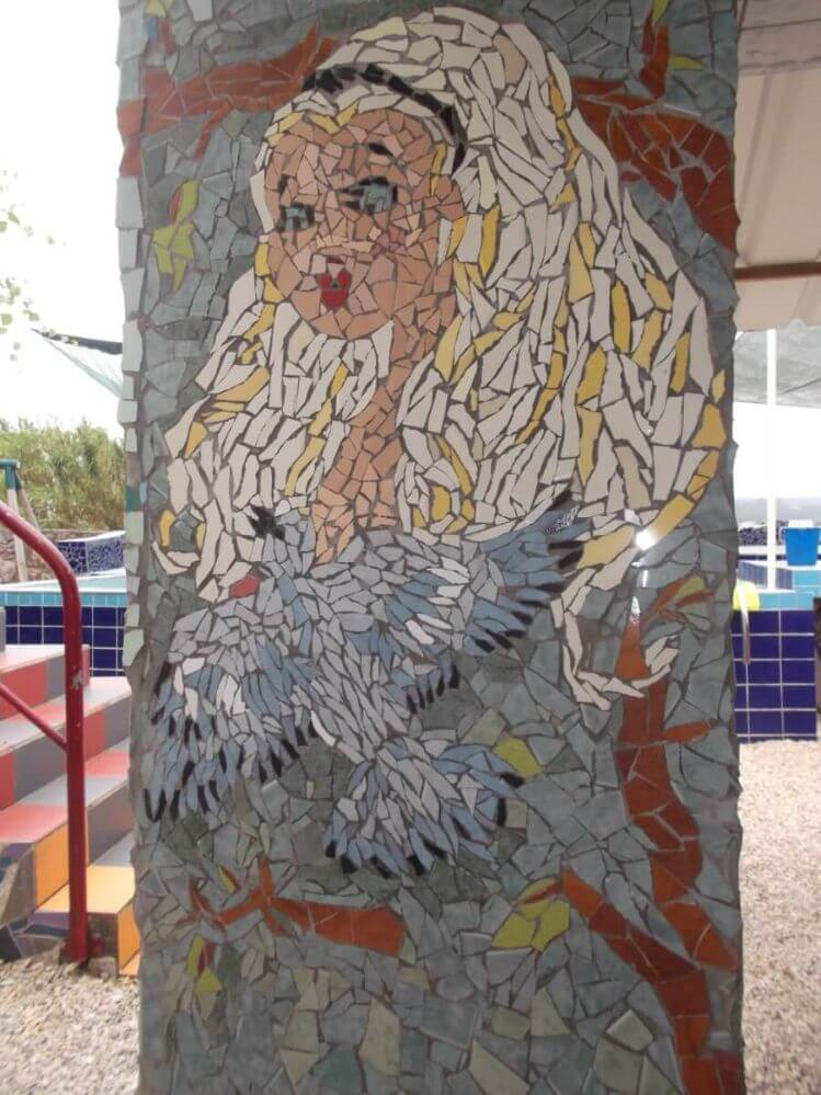 mosaico-Alice-no-pais-das-maravilhas-by-the-swimminpool-Termas-da-Azennha