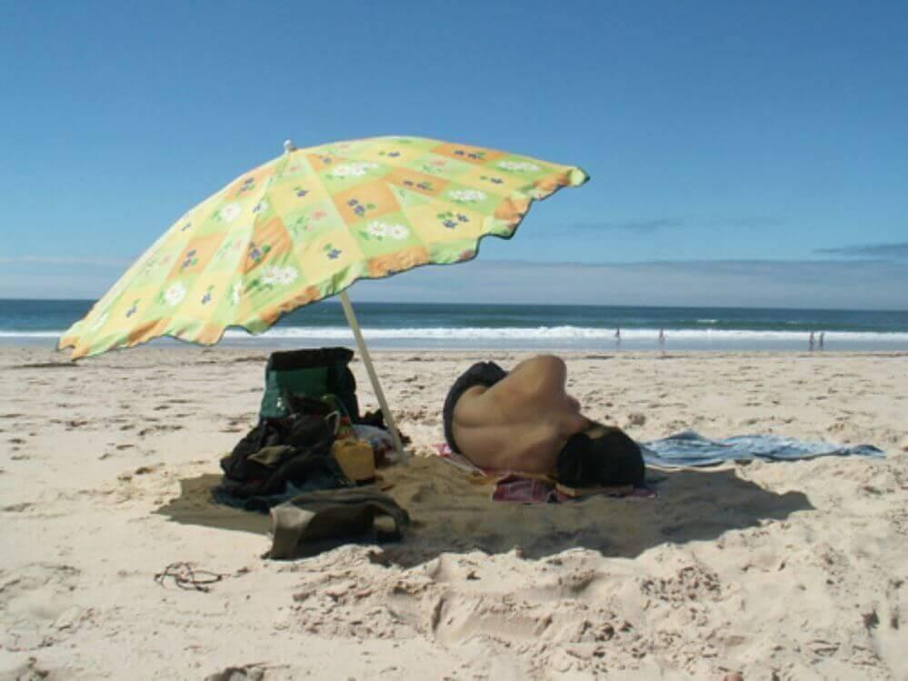 relaxar-na-praia