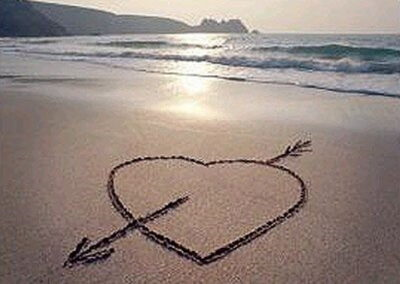 beach_heart-in-the-sand