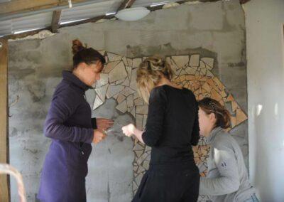 volunteers_making-a-mosaic