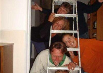 volunteers_having-fun-making-a-group-photo